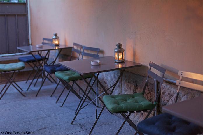 Kanaal garden tables
