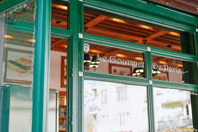 Le Gourmet De Paris window