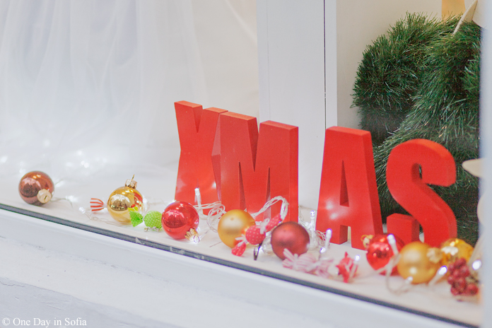 XMAS sign in shop window