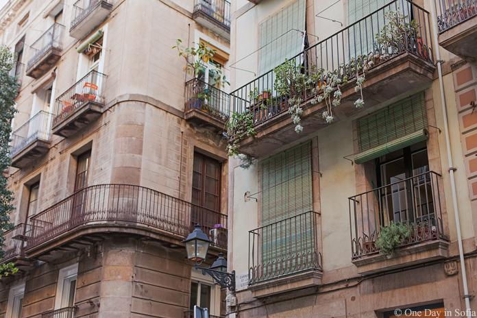 balconies in El Raval