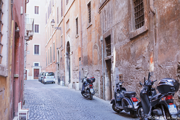 cobbled street in Rome