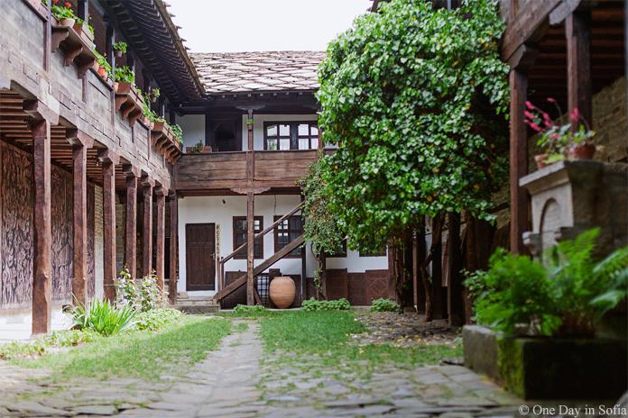 Old School Tryavna