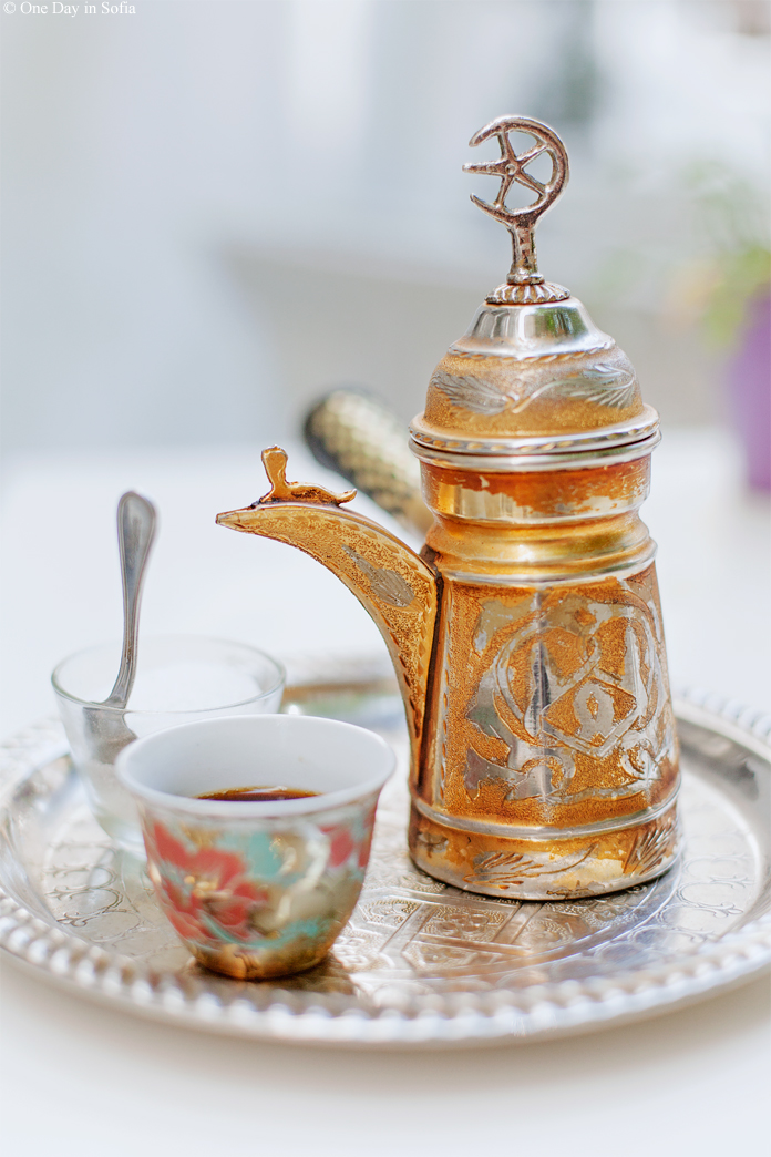 arabic coffee pot and tray